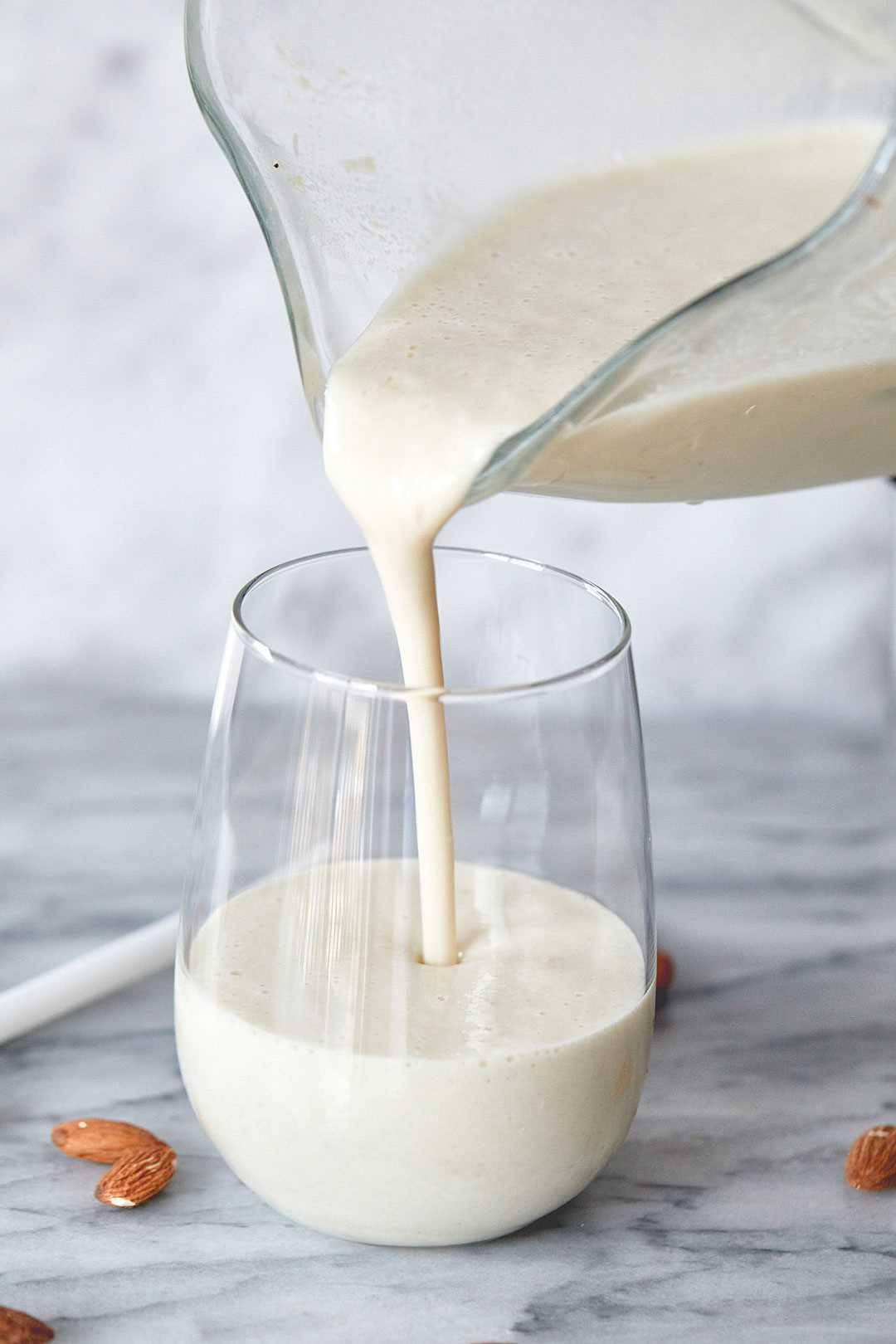 banana and almond milk shake recipe 2