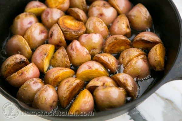 Batatas vermelhas salteadas crocantes-7