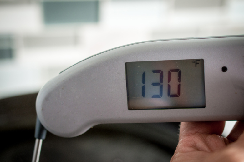 "Termómetro de alimentos que muestra la temperatura correcta para un filete medio raro, 130 grados Fahrenheit ""width ="" 780 ""height ="" 519 ""data-pin-description ="" Termómetro de alimentos que muestra la temperatura correcta para un filete medio raro, 130 grados Fahrenheit. #steak #beef ""srcset ="" https://cdn.shortpixel.ai/client/q_lossy,ret_img,w_780/https://foodlove.com/wp-content/uploads/2018/06/Steak-Bites-6. jpg 780w, https://cdn.shortpixel.ai/client/q_lossy,ret_img,w_300/https://foodlove.com/wp-content/uploads/2018/06/Steak-Bites-6-300x200.jpg 300w, https://cdn.shortpixel.ai/client/q_lossy,ret_img,w_768/https://foodlove.com/wp-content/uploads/2018/06/Steak-Bites-6-768x511.jpg 768w ""tamaños de datos = ""(ancho máximo: 780px) 100vw, 780px"