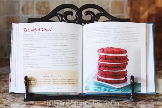 Red Velvet Lovers Cookbook de Deborah of Taste and Tell