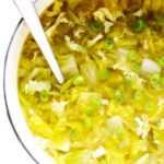 Sopa de huevo y col