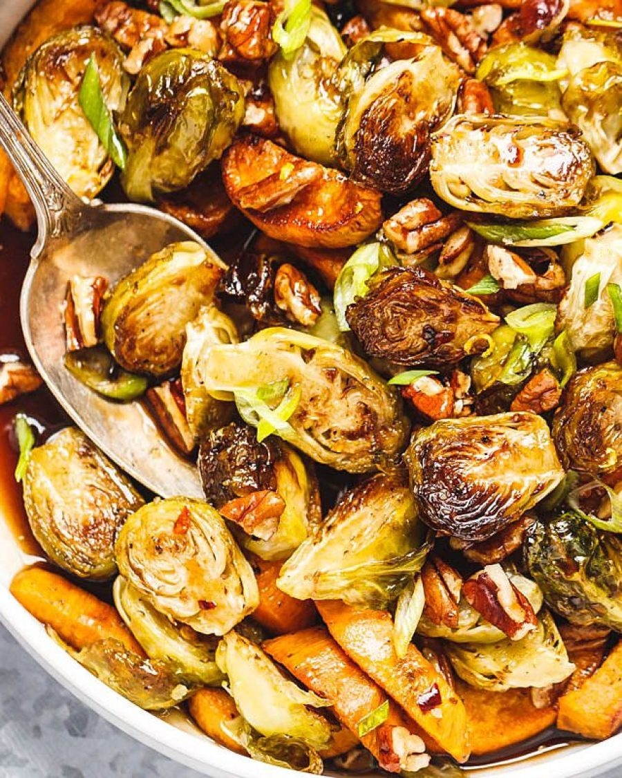Roasted Brussels Sprouts and Sweet Potato with Balsamic Honey Icing - #recipe by # eatwell101 - https://www.eatwell101.com/roasted-brussels-sprouts-sweet-potato-with-balsamic-honey-glaze-recipe