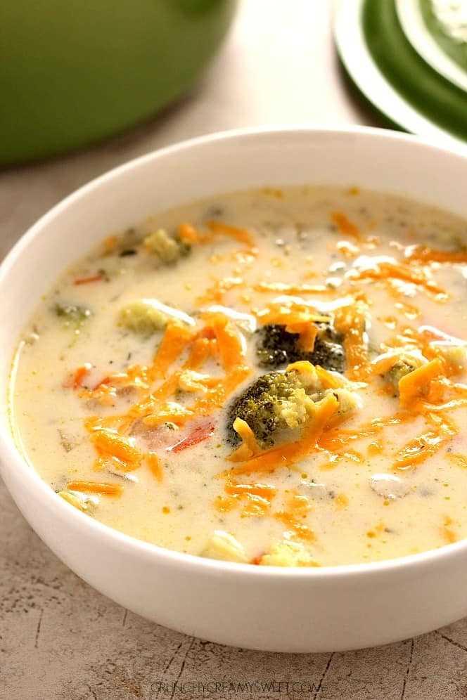 Sopa de brócoli y queso 2 Sopa de brócoli y queso (Panera Copycat)