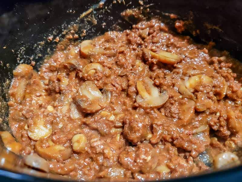 "mistura de farinha misturada com a mistura de carne moída e molho de tomate ""srcset ="" https://juegoscocinarpasteleria.org/wp-content/uploads/2020/02/1582789744_916_Crockpot-Shepherd's39s-Pie-Dinner-para-dos. jpg 800w, https://cdn1.zonacooks.com/wp-content/uploads/2019/11/Crockpot-Shepherds-Pie-Dinner-for-Two-8-500x375.jpg 500w, https: //cdn1.zonacooks. com /wp-content/uploads/2019/11/Crockpot-Shepherds-Pie-Dinner-for-Two-8-768x576.jpg 768w, https://cdn1.zonacooks.com/wp-content/uploads/2019/11 / Crockpot-Shepherds-Pie-Dinner-for-Two-8-320x240.jpg 320w, https://cdn1.zonacooks.com/wp-content/uploads/2019/11/Crockpot-Shepherds-Pie-Dinner-for- Dois -8-480x360.jpg 480w, https://cdn1.zonacooks.com/wp-content/uploads/2019/11/Crockpot-Shepherds-Pie-Dinner-for-Two-8-720x540.jpg 720w, https: / /cdn1.zonacooks.com/wp-content/uploads/2019/11/Crockpot-Shepherds-Pie-Dinner-for-Two-8-735x551.jpg 735w ""tamanhos ="" (largura máxima: 800px) 100vw, 800px"