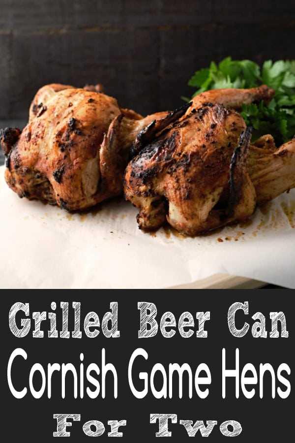 """Receita de frango grelhado com latas de cerveja para dois """"srcset ="""" https://cdn1.zonacooks.com/wp-content/uploads/2018/05/Grilled-Beer-Can-Cornish-Horn-Recipe-for- Dois-9. jpg 600w, https://cdn1.zonacooks.com/wp-content/uploads/2018/05/Grilled-Beer-Can-Cornish-Hens-Recipe-for-Two-9-333x500.jpg 333w """"tamanhos ="""" ( largura máxima: 600 px) 100vw, 600 px"""