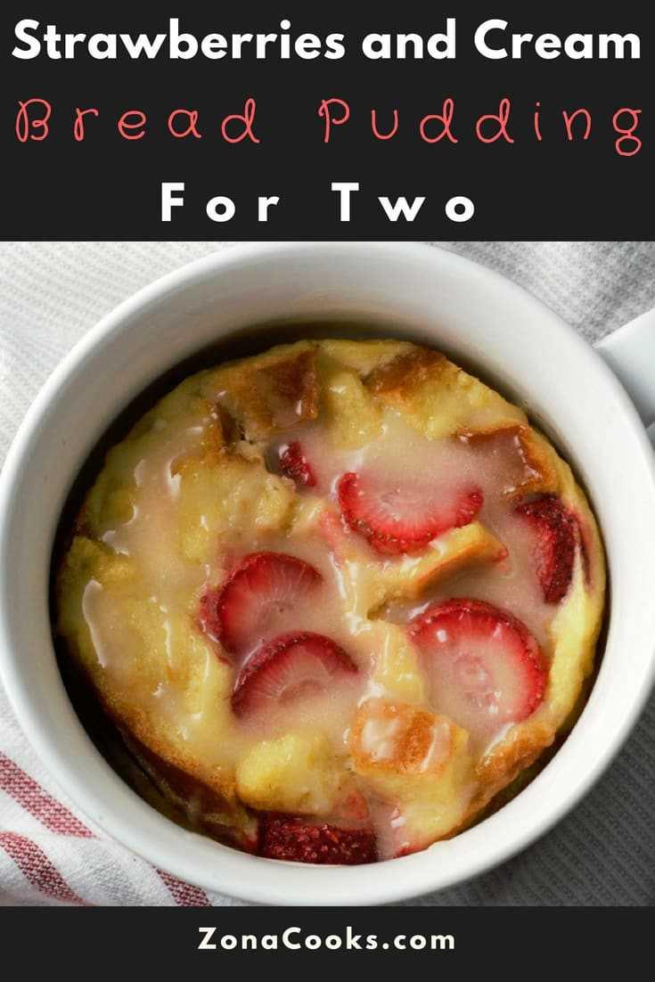 """Receita de pudim de morango e pão de creme para dois """"srcset ="""" https://cdn1.zonacooks.com/wp-content/uploads/2018/08/Strawberries-and-Cream-Bread-Pudding-Recipe-for-Two -17 jpg 735w, https://cdn1.zonacooks.com/wp-content/uploads/2018/08/Strawberries-and-Cream-Bread-Pudding-Recipe-for-Two-17-333x500.jpg 333w, https: // cdn1.zonacooks.com/wp-content/uploads/2018/08/Strawberries-and-Cream-Bread-Pudding-Recipe-for-Two-17-712x1067.jpg 712w """"tamanhos ="""" (largura máxima: 735px) 100vw, 735px"""