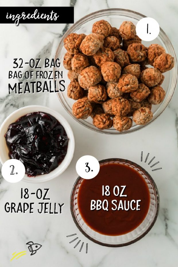 3 ingredientes necessários para almôndegas de geléia de uva em tigelas rotuladas