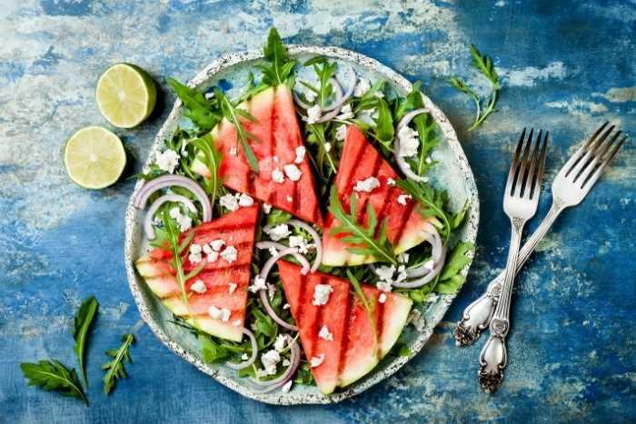 Salada de melancia grelhada