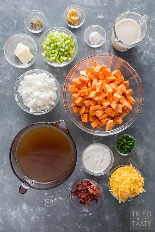 Ingredientes usados para fazer sopa de batata doce carregada