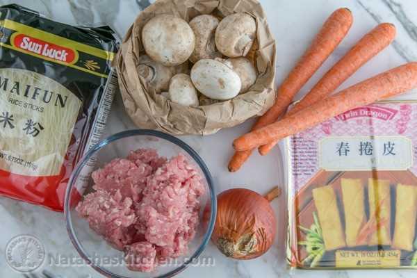 Rolinhos de ovo e cogumelos de porco
