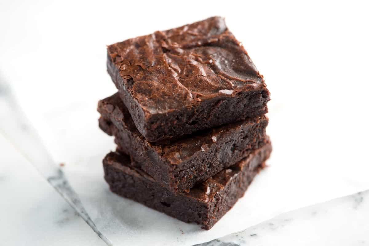 Receta fácil de brownies fudgy desde cero