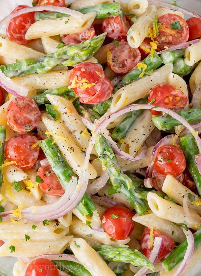 """Esta ensalada de pasta de espárragos es una ensalada de pasta fresca y refrescante que está repleta de sabores de limón y perejil. Ensalada de primavera perfecta! """"Ancho ="""" 675 """"altura ="""" 927 """"srcset ="""" https://iwashyoudry.com/wp-content/uploads/2016/03/Asparagus-Pasta-Salad-3.jpg 675w, https: / /iwashyoudry.com/wp-content/uploads/2016/03/Asparagus-Pasta-Salad-3-600x824.jpg 600w, https://iwashyoudry.com/wp-content/uploads/2016/03/Asparagus-Pasta- Ensalada-3-17x24.jpg 17w, https://iwashyoudry.com/wp-content/uploads/2016/03/Asparagus-Pasta-Salad-3-26x36.jpg 26w, https://iwashyoudry.com/wp- content / uploads / 2016/03 / Asparagus-Pasta-Salad-3-35x48.jpg 35w """"tamaños ="""" (ancho máximo: 675px) 100vw, 675px"""