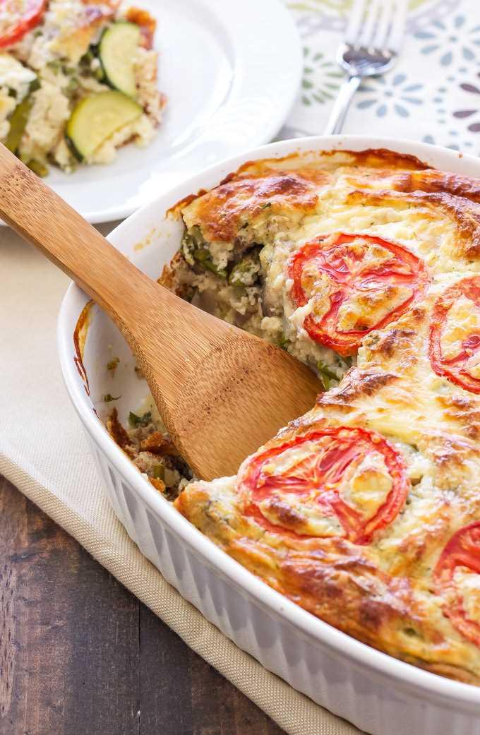 Quiche de verduras sin corteza   ¡Este quiche vegetariano aligerado es perfecto para el desayuno o el brunch! a través de @reciperunner