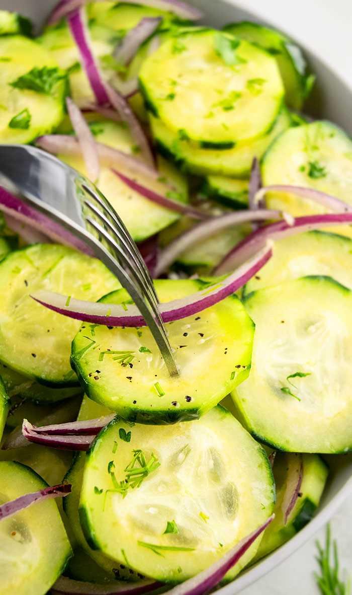 La mejor ensalada de pepino y cebolla