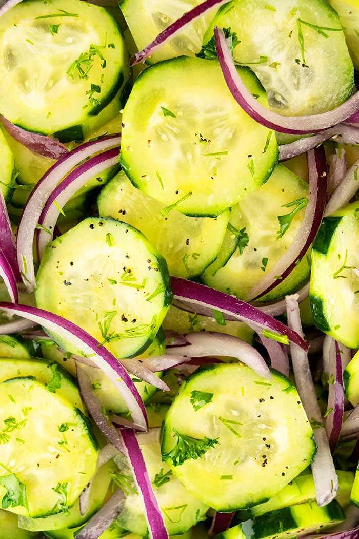 Ensalada de vinagre de cebolla y pepino