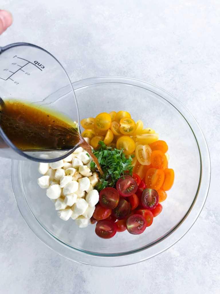 Ensalada de tomate balsámico y mozarella