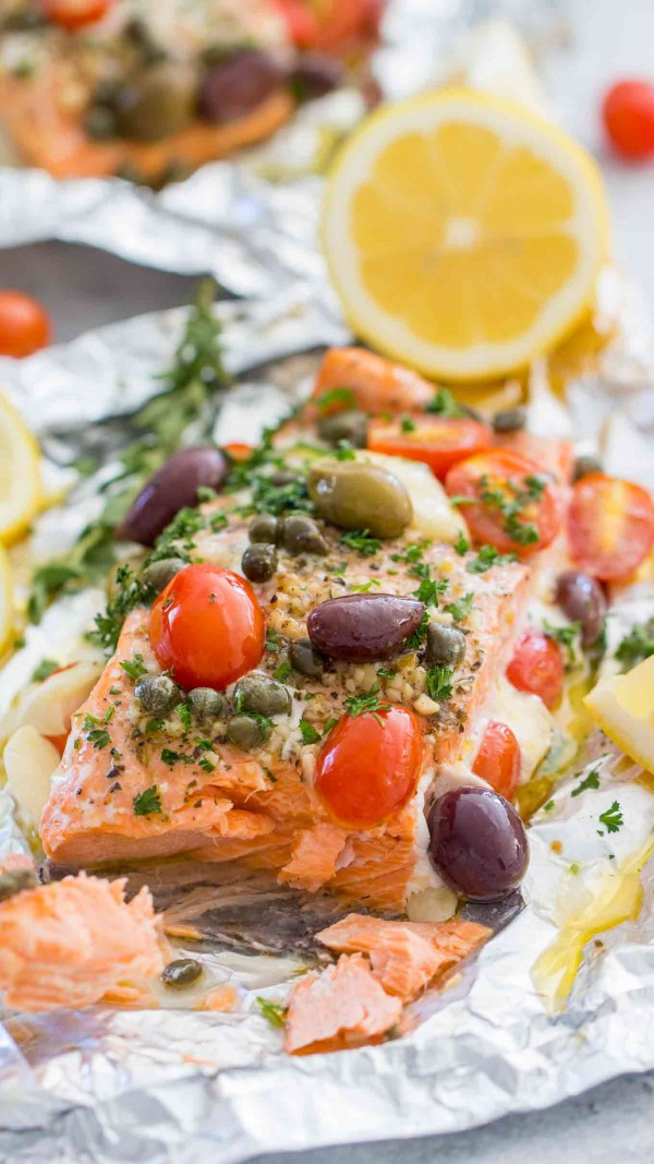 Mediterranean salmon paper packages with lemon