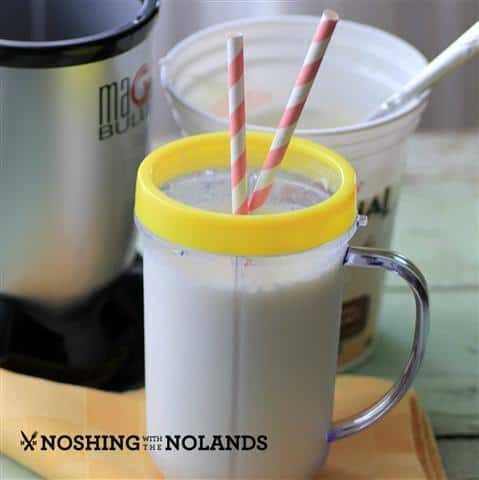 Batido de piña colada por Noshing With The Nolands