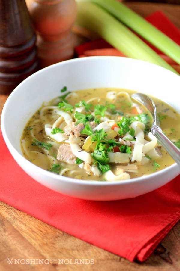 Sopa de fideos de pavo fácil de comer con los nolands-2-custom