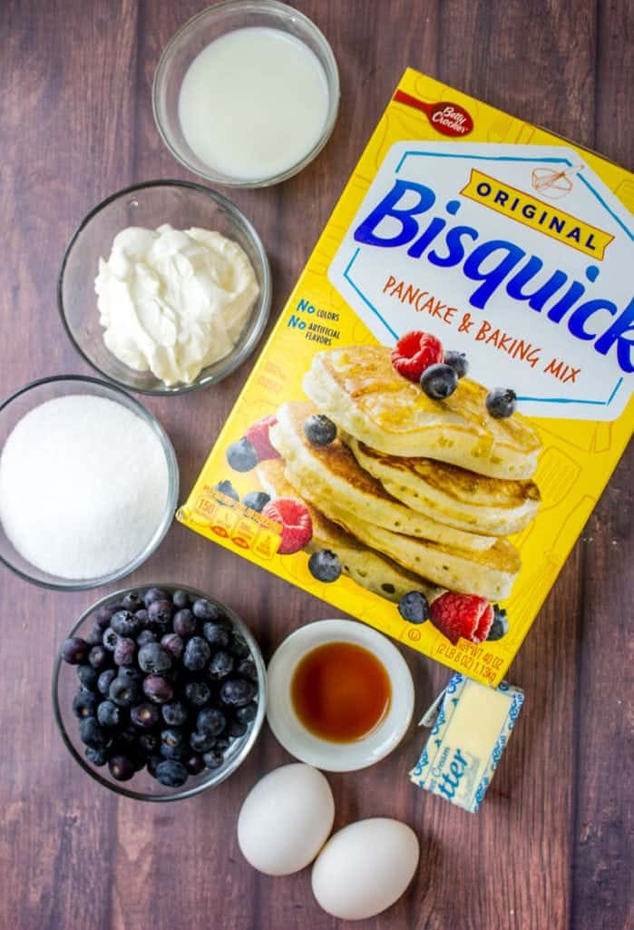 Bisquick, mirtilos, creme de leite, manteiga, extrato de baunilha, açúcar