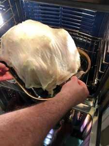 Colocar el pavo en el horno