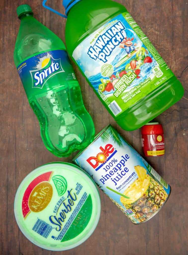 sorbete de lima, ponche verde hawaiano, jugo de piña, sprite, azúcar roja