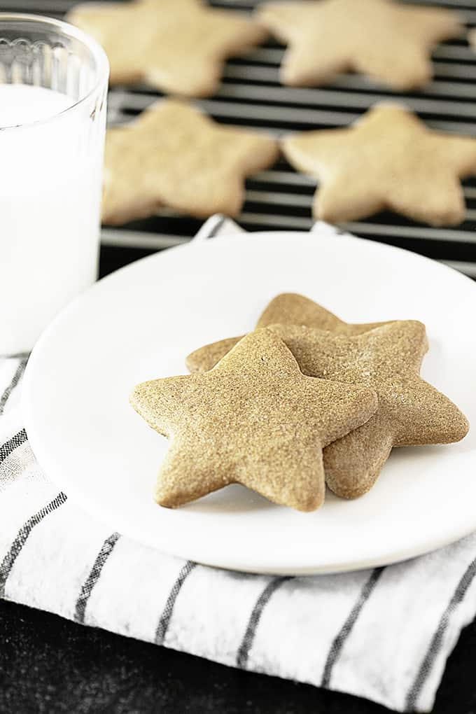 Ginger Star Cookies con leche