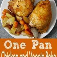 Uma panela de frango assado e legumes para dois