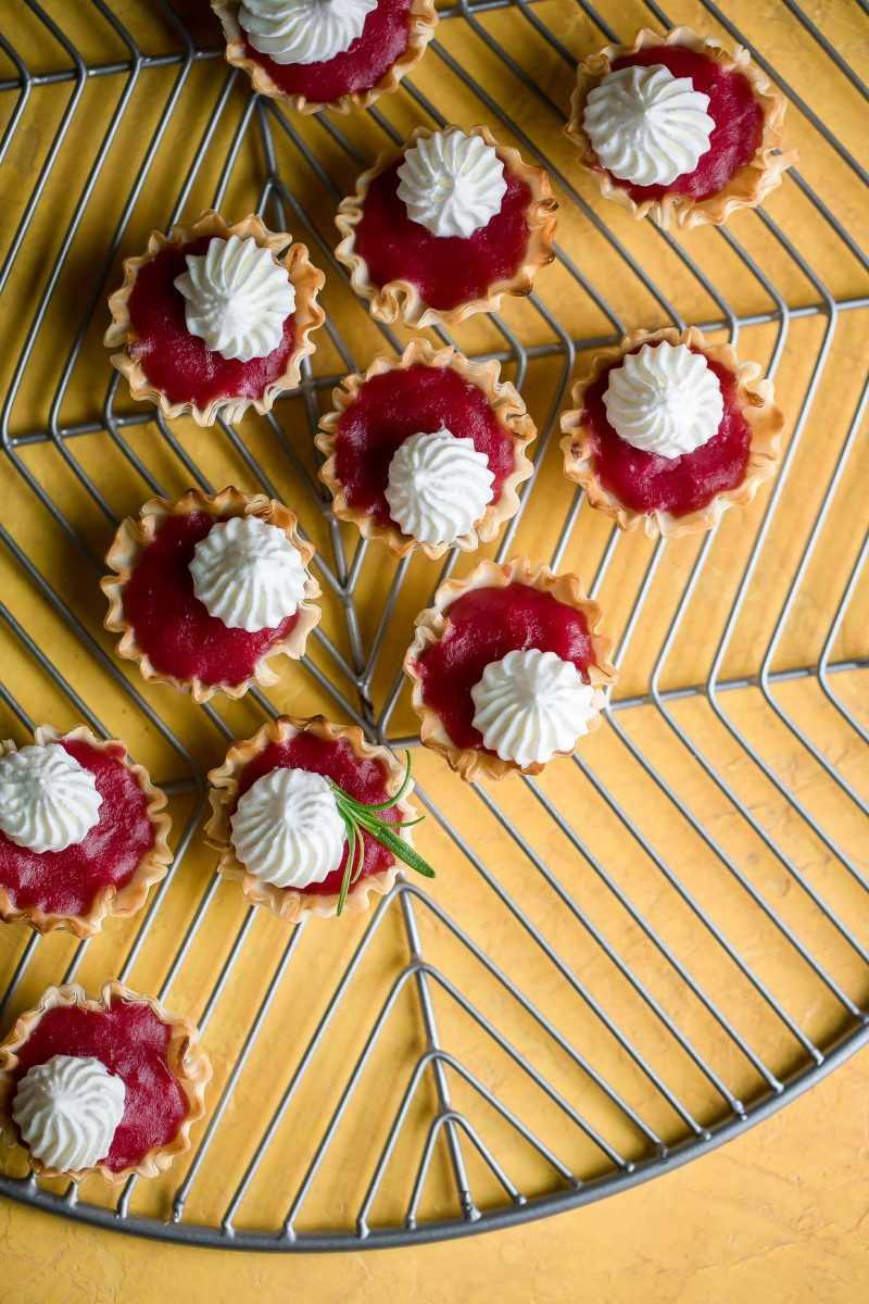 Mini Cranberry Phyllo Cup Postre Bites