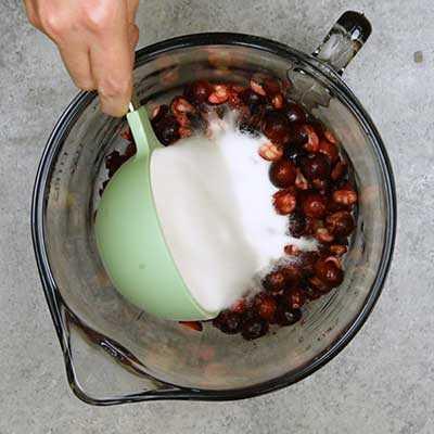 "Cranberry Fluff Paso 2 - Agregue azúcar. ""Width ="" 400 ""height ="" 400 ""data-pin-description ="" Cranberry Fluff! Esta ensalada de pelusa de arándano es un acompañamiento o postre de clima frío que combina arándanos agrios, piña dulce y manzanas frescas con crema suave y nueces. El | HomemadeHooplah.com ""data-pin-nopin ="" true ""srcset ="" https://juegoscocinarpasteleria.org/wp-content/uploads/2020/02/1582950153_894_Pelusa-de-arandano.jpg 400w, https: // homemadehooplah .com / wp-content / uploads / 2019/02 / Cranberry-Fluff-Step-1b-75x75.jpg 75w, https://homemadehooplah.com/wp-content/uploads/2019/02/Cranberry-Fluff-Step- 1b-155x155.jpg 155w, https://homemadehooplah.com/wp-content/uploads/2019/02/Cranberry-Fluff-Step-1b-168x168.jpg 168w, https://homemadehooplah.com/wp-content/ uploads / 2019/02 / Cranberry-Fluff-Step-1b-300x300.jpg 300w ""tamaños ="" (ancho máximo: 400px) 100vw, 400px"