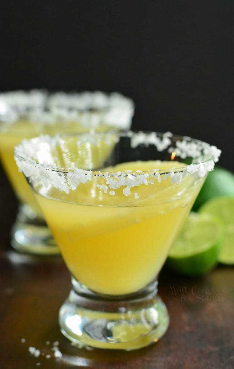 Cóctel Brunch: Margarita de piña y lima