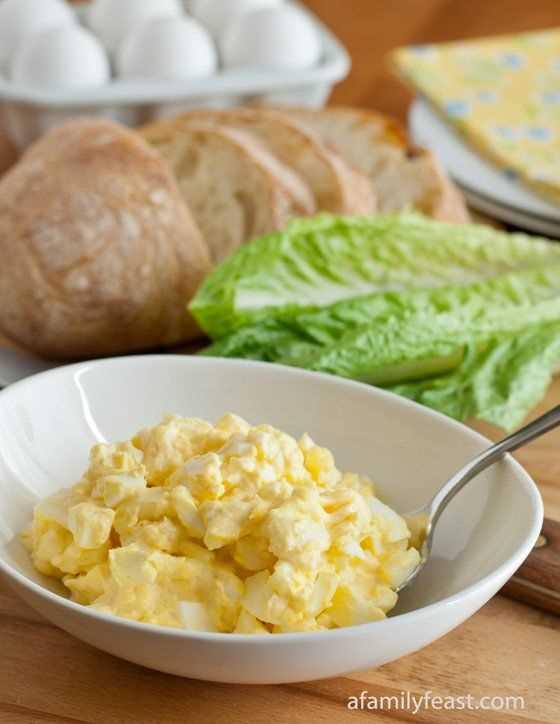 Ensalada clásica de huevo