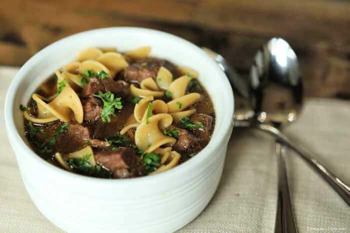 La receta de sopa de bistec de cocción lenta es la sopa perfecta para dejar a todos satisfechos. La sopa Crock Pot Steak es abundante y deliciosa y seguramente será un éxito.