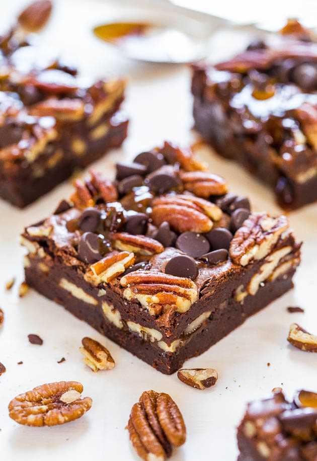 Os melhores brownies de tartaruga: super doces e cheios de chocolate, nozes e caramelo! So.crazy.good !!!