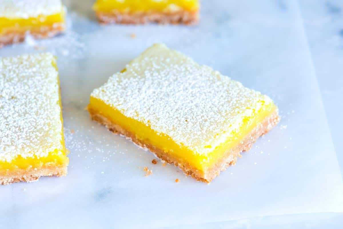 Receta de barras de limón con corteza de mantequilla