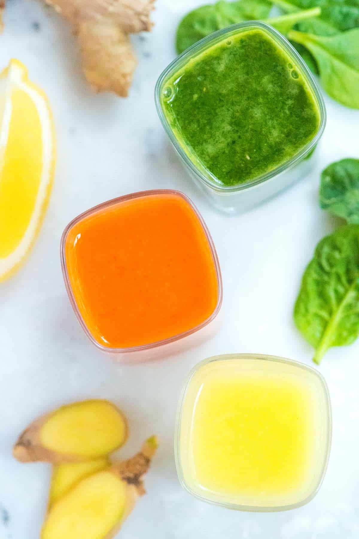 Cómo hacer chupitos de jengibre, incluidos el jengibre limón, el jengibre de zanahoria y el chupito de jengibre verde