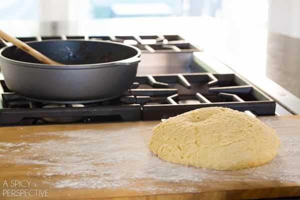 Hacer mini rollos de canela y manzana con caramelo #caramelapple #cinnamonrolls #holiday #breakfast