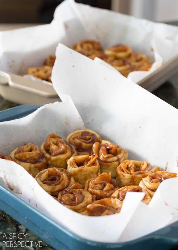 Cómo: Mini Rollos de Canela y Manzana con Caramelo #caramelapple #cinnamonrolls #holiday #breakfast