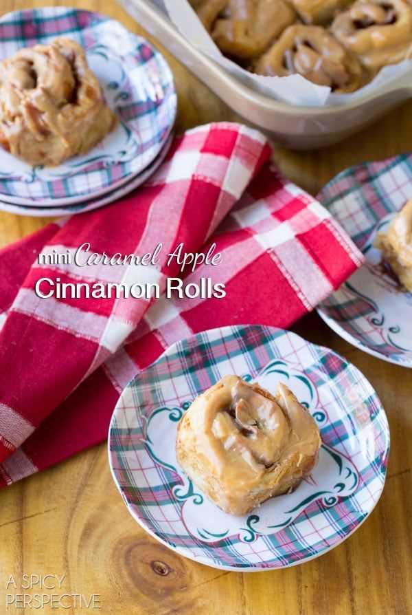 Impresionante Mini Rollos de canela y manzana con caramelo #caramelapple #cinnamonrolls