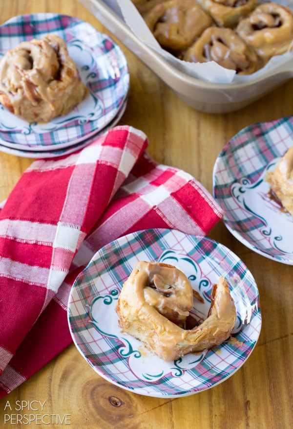 Increíbles mini rollos de canela y manzana con caramelo #caramelapple #cinnamonrolls