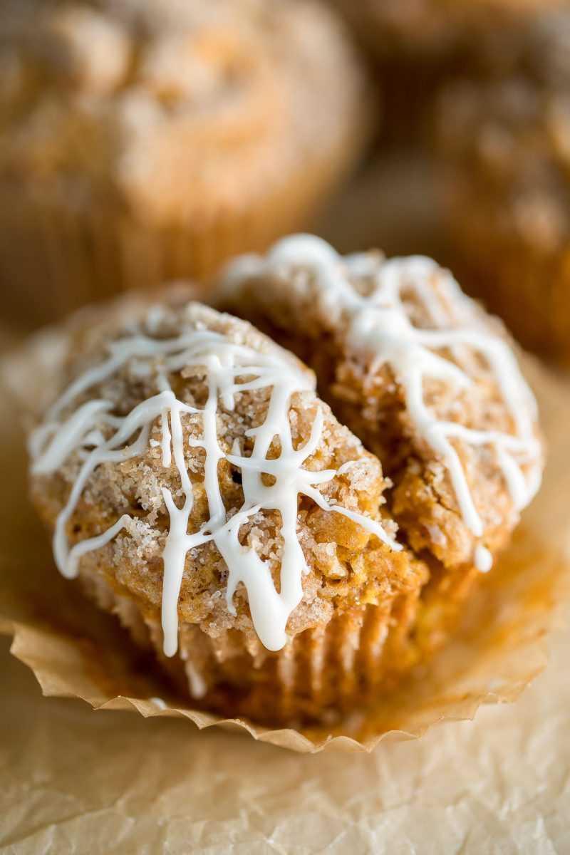 Muffins de calabaza y manzana con Streusel y glaseado