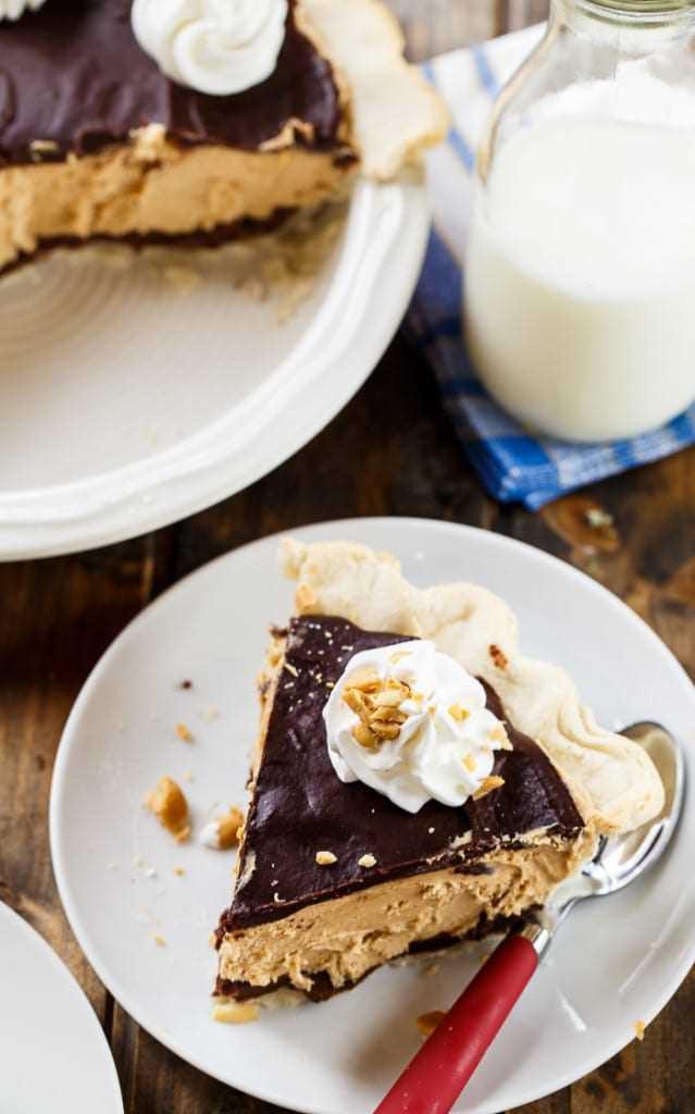 Pastel de chocolate y mantequilla de maní