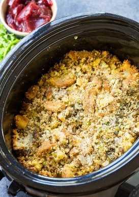 Molho de pão de milho salsicha lento fogão