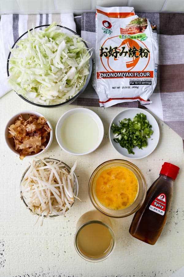 Ingredientes para okonomiyaki (pizza japonesa)