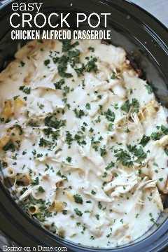 Prueba esta receta fácil de cazuela de pollo Alfredo, esta pasta de pollo Alfredo en la olla es deliciosa y llena de sabor. Pruébalo hoy.