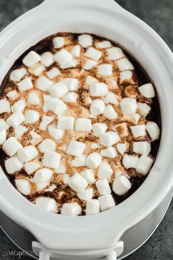 crockpot chocolate caliente en olla de cocción lenta