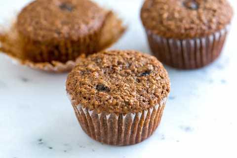 Deliciosa receita de muffins de farelo com passas