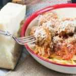 Espaguetis y Albóndigas en Salsa Marinara