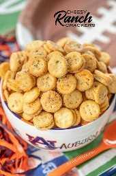 """Bolachas de queijo Ranch: pedaços de Ritz em uma mistura rápida de rancho. Tão bom!!! Ótimo para festas e sopas e chili peppers. Sempre temos uma sacola na despensa. Ritz Bits Cheese Sandwich Biscoitos, óleo, mix Ranch, alho em pó. Pode ser fabricado com antecedência e armazenado em um recipiente hermético. # aperitivo # aperitivo # fazenda # queijo #partyfood """"border ="""" 0 """"data-original-height ="""" 1600 """"data-original-width ="""" 762 """"title ="""" Queijo Ranch Cookies: pedaços de Ritz em uma mistura rápida rancho. Tão bom!!! Ótimo para festas e sopas e chili peppers. Sempre temos uma sacola na despensa. Ritz Bits Cheese Sandwich Biscoitos, óleo, mix Ranch, alho em pó. Pode ser fabricado com antecedência e armazenado em um recipiente hermético. # aperitivo # aperitivo # rancho # queijo #partyfood """"src ="""" https://gamescookingpasteleria.org/wp-content/uploads/2020/02/1581210126_709_Galletas-Cheesy-Ranch-Friday-from-futbol.png """"class ="""" lazyload """">   <p>  aperitivos, lanche, rancho, biscoitos ritz, queijo, pedaços de ritz</p> <p>    Aperitivo</p> <p>  americano</p> <p>   <img itemprop="""