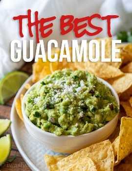¡Esta es la MEJOR receta clásica de guacamole que existe! ¡Lleno de aguacates cremosos, cebolla picada, jalapeño y la cantidad justa de jugo de lima!
